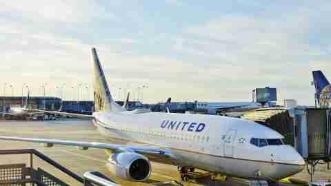 United 737 at ORD
