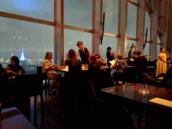 The New York Bar at the Park Hyatt Tokyo. (Photo by Samantha Rosen / The Points Guy).