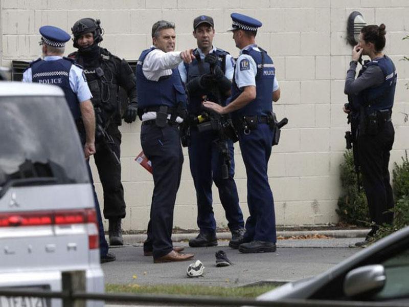 Indiscriminate firing in two New Zealand mosques, 49 deaths, Australian citizenship near attacker