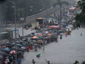 Heavy rains create chaos in Maharashtra