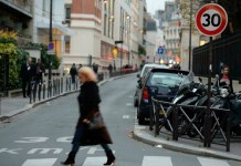 Paris reduces speed limit to 30 kph to protect the environment