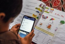 Lack of smartphone and internet access exacerbated an educational divide in India; UN