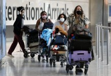 United States to relax restrictions on immunized international travellers