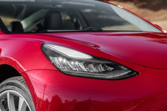 Tesla-Model-3-headlight.jpg
