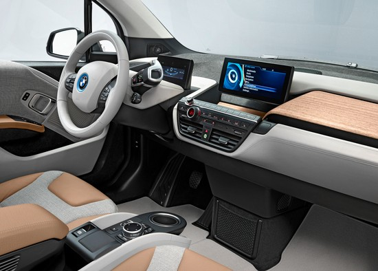 bmw-i3-wins-automotive-interiors-expo-award-2014-83040_1.jpg