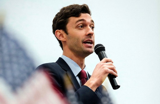 ossoff02_dchambers_oneuseonly.jpg