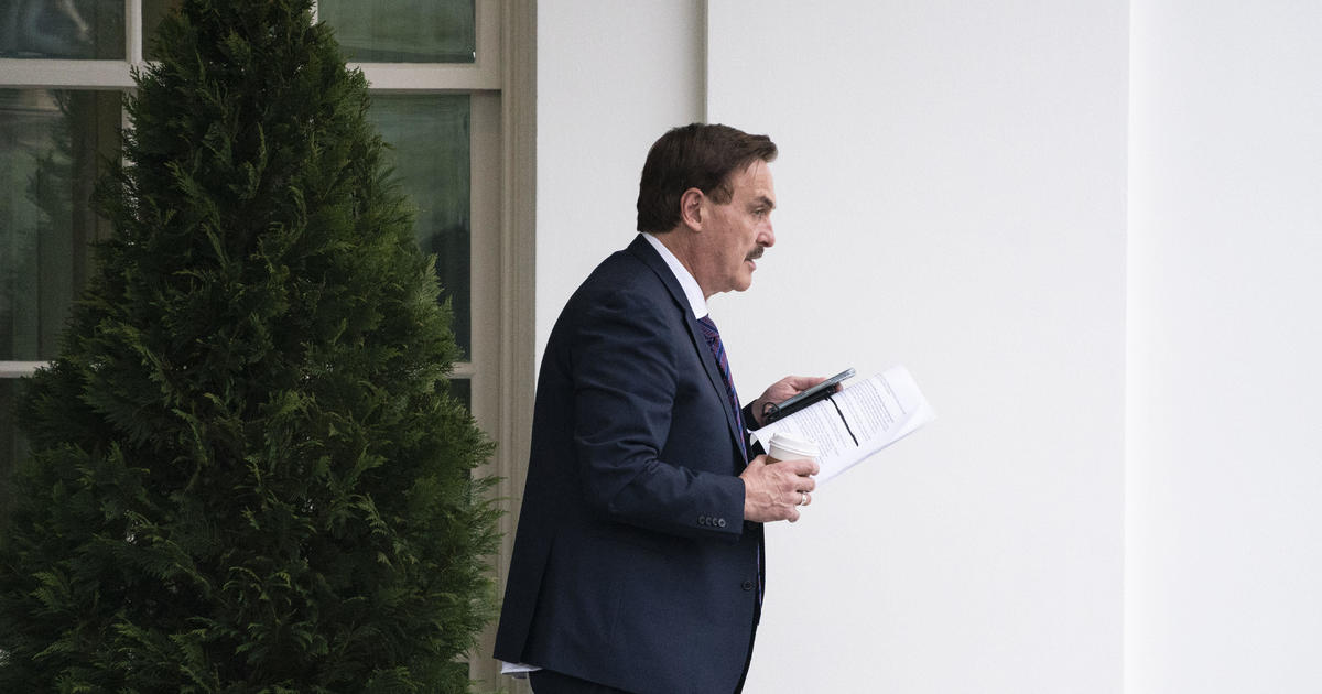 Fox News,MyPillow,mypillow trump,mike lindell trump, MyPillow guy says he's hired investigators to find out why he can't get on Fox News anymore, The Politicus