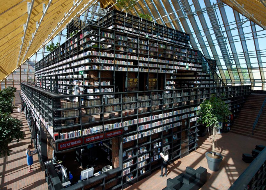 Book Mountain_11