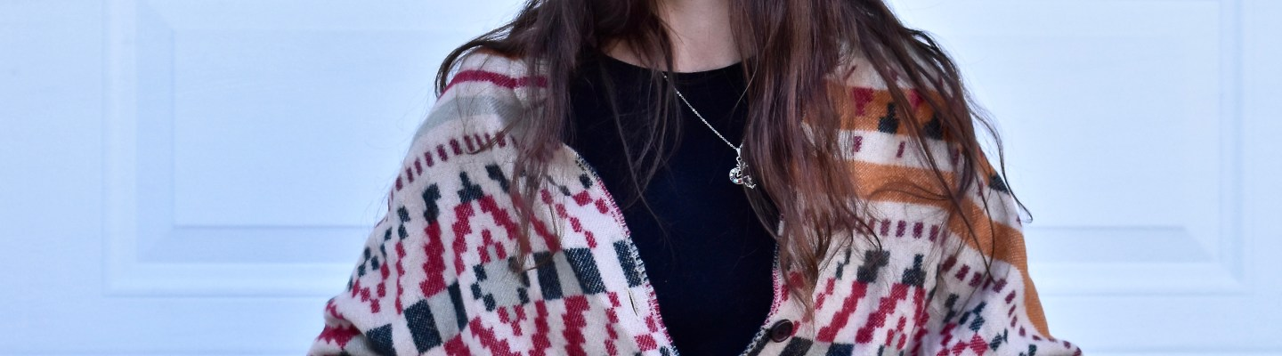 How To Wear A Button Wrap-thepoppyskull.com