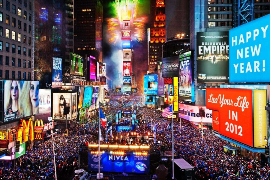 times-square-new-years-eve-2013-1050x700