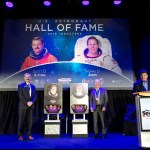 Los Astronautas veteranos de la NASA Thomas D. Jones y Scott D. Altman entraron a formar parte del US Astronaut Hall of Fame® del Kennedy Space Center Visitor Complex