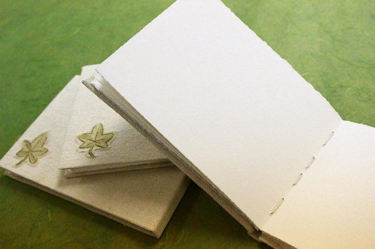 Bookbinding Tutorial | Greenleaf Blueberry via The Postman's Knock