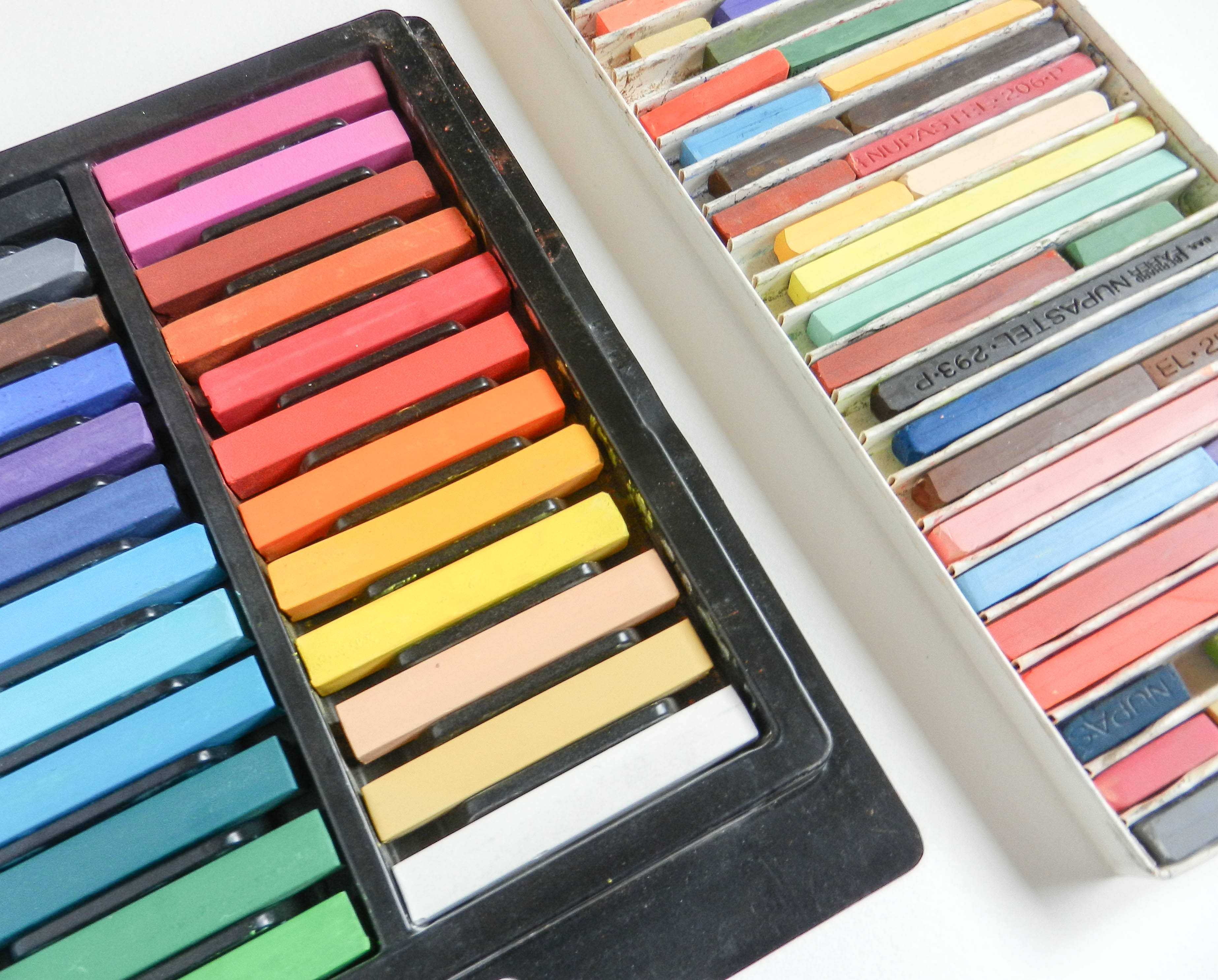 Chalk Pastel Tutorial | The Postman's Knock