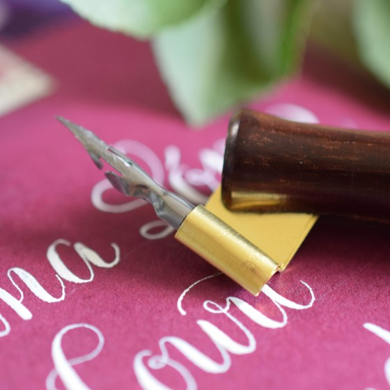 This oblique pen will hold your Brause EF66 nib snugly and securely!