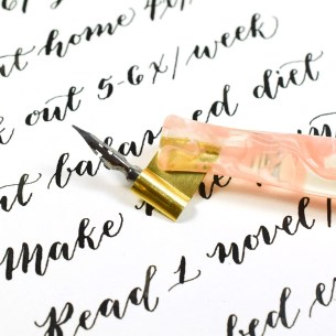 """This """"Pretty in Pink"""" pen features a flange that I handmade for the lovely little Brause EF66 nib!"""