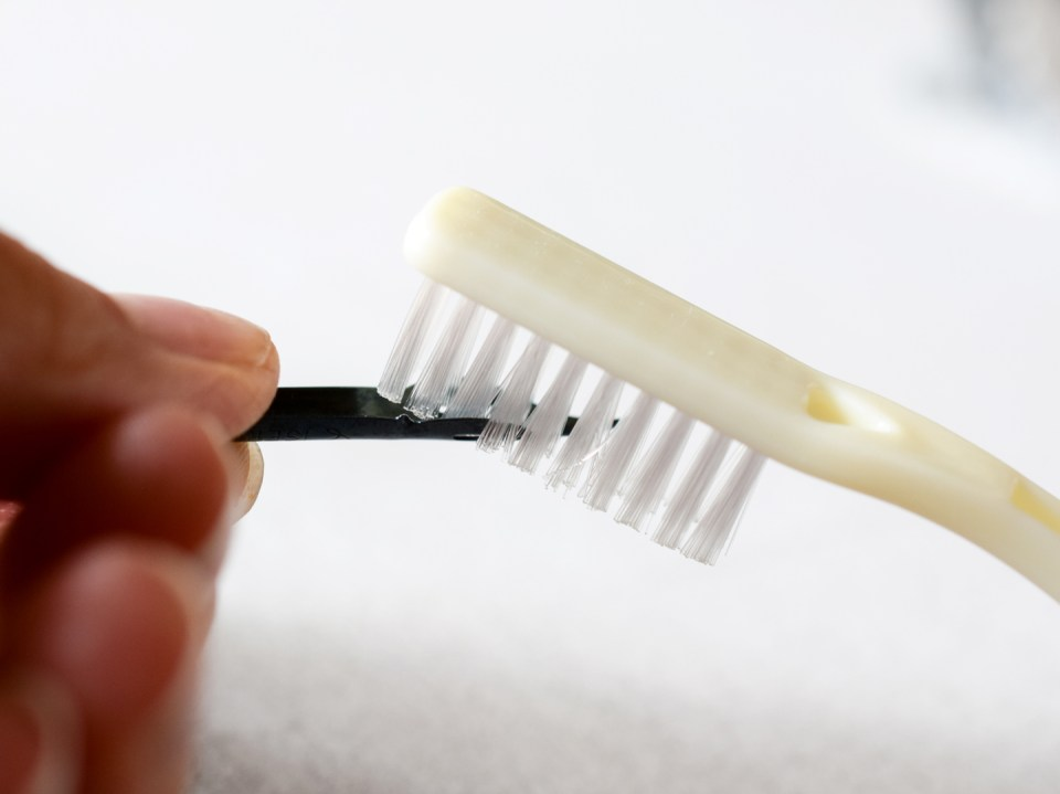 Using a Toothbrush for Cleaning Calligraphy Nibs