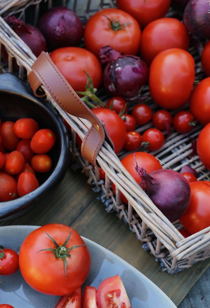 tomatenmand donker.jpg