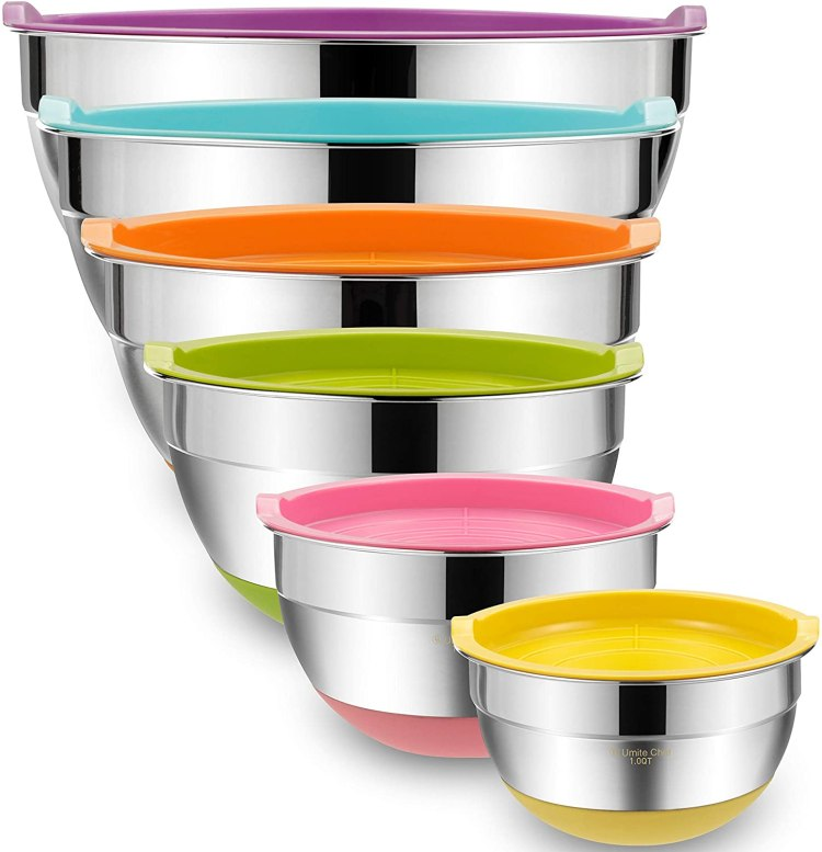 colorful mixing bowls with rubber bottoms and airtight lids