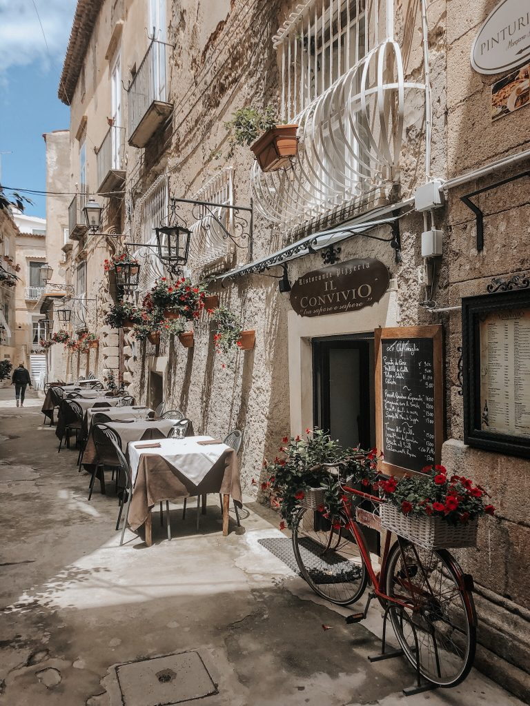 Tropea restaurants hidden away