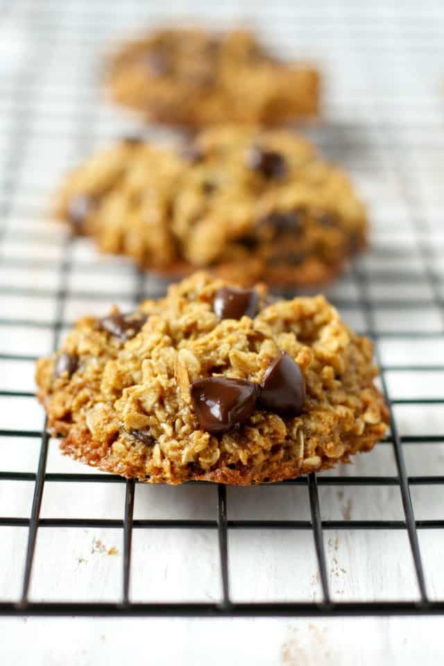 Soft and chewy healthy oatmeal cookie recipe