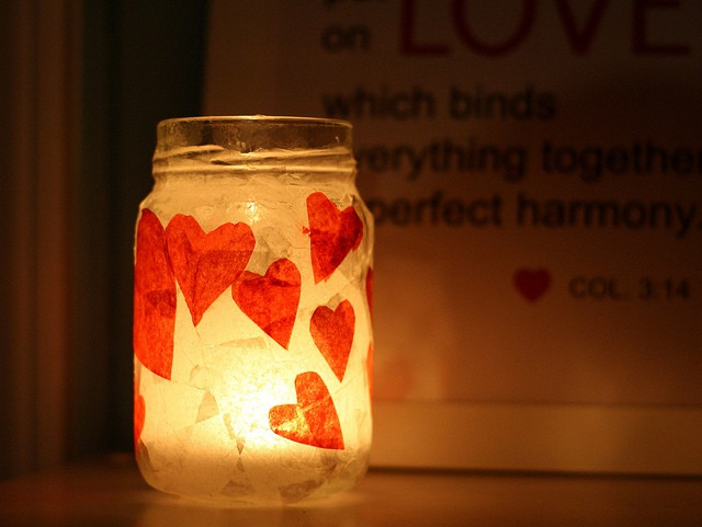Diy romantic red heart votive holder the pretty bee for Diy candle crafts