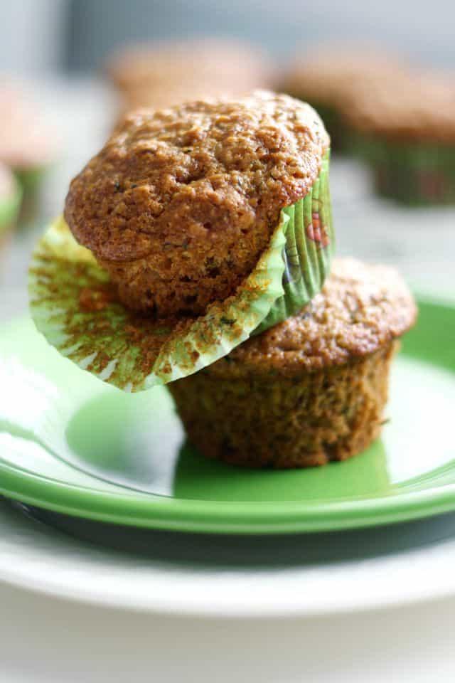 Delicious vegan zucchini muffin recipe - a great breakfast muffin!