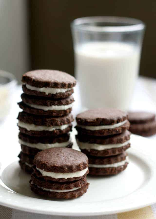 A recipe for chocolate sandwich cookies that is gluten free and vegan! Recipe at theprettybee.com