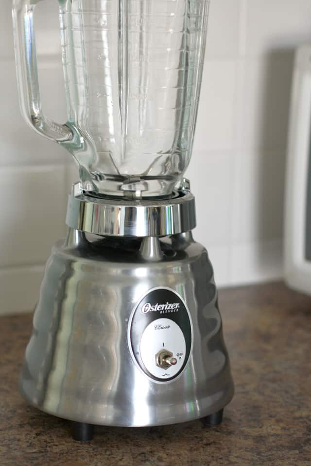 Oster 4093-008 5-Cup Glass Jar 2-Speed Beehive Blender, Brushed Stainless review