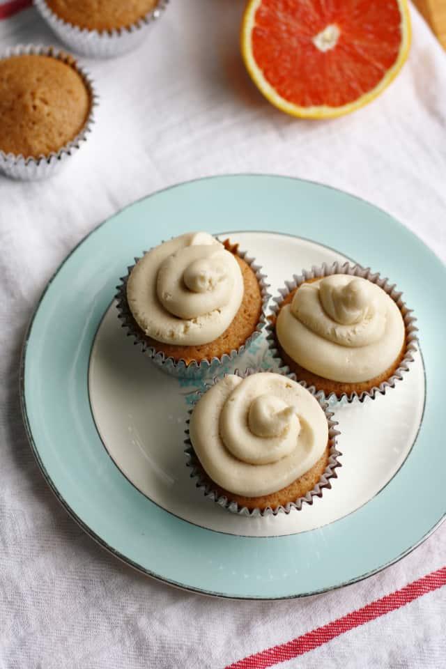 fluffy vegan orange cupcakes