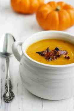 Creamy and comforting butternut squash soup made wtih apples and bacon. This soup is a delicious way to welcome the cooler weather!