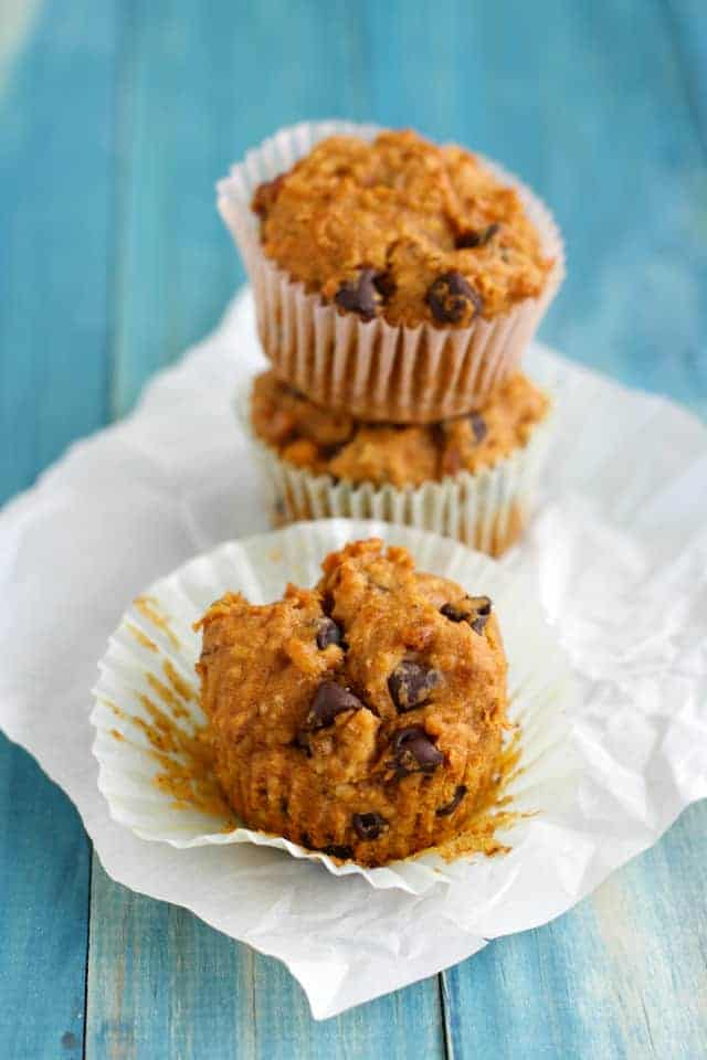 Gluten free and vegan pumpkin muffins with chocolate chips and pecans. Delicious and moist. #muffins #pumpkin