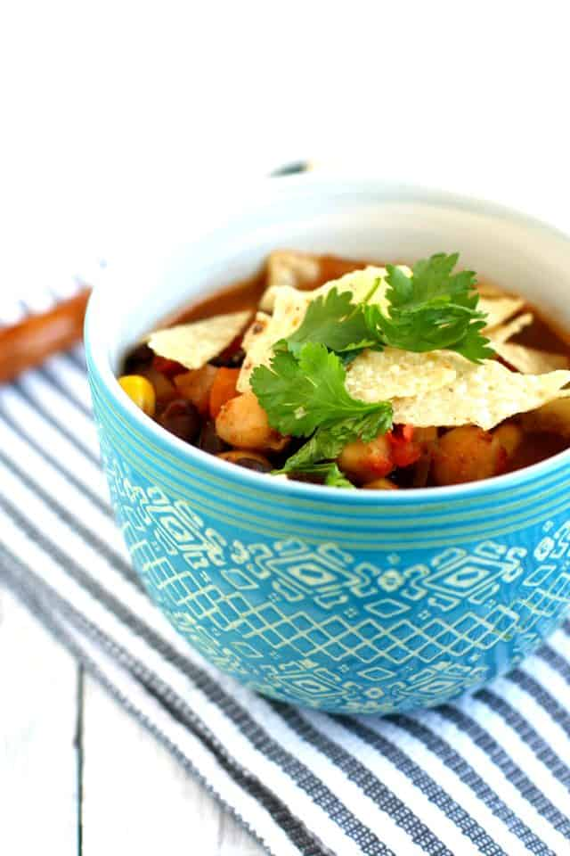A quick and easy tortilla soup recipe that's great for a healthy dinner or lunch!