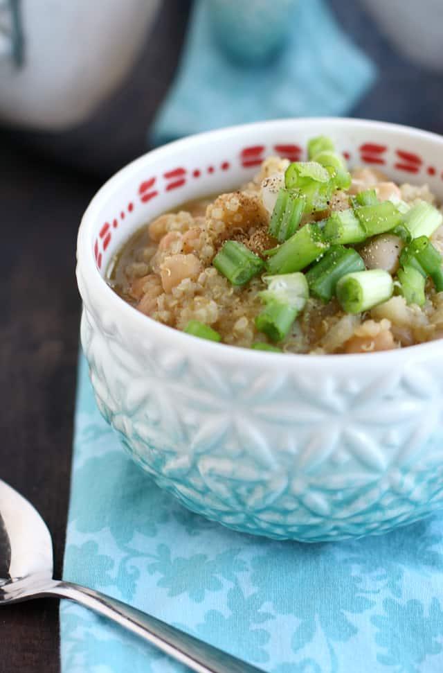 vegan white bean and quinoa chili recipe