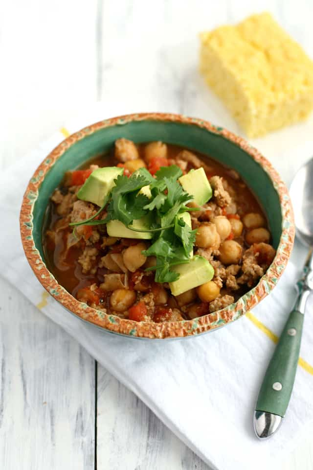 Simple and healthy 5 ingredient turkey chili with a kick!