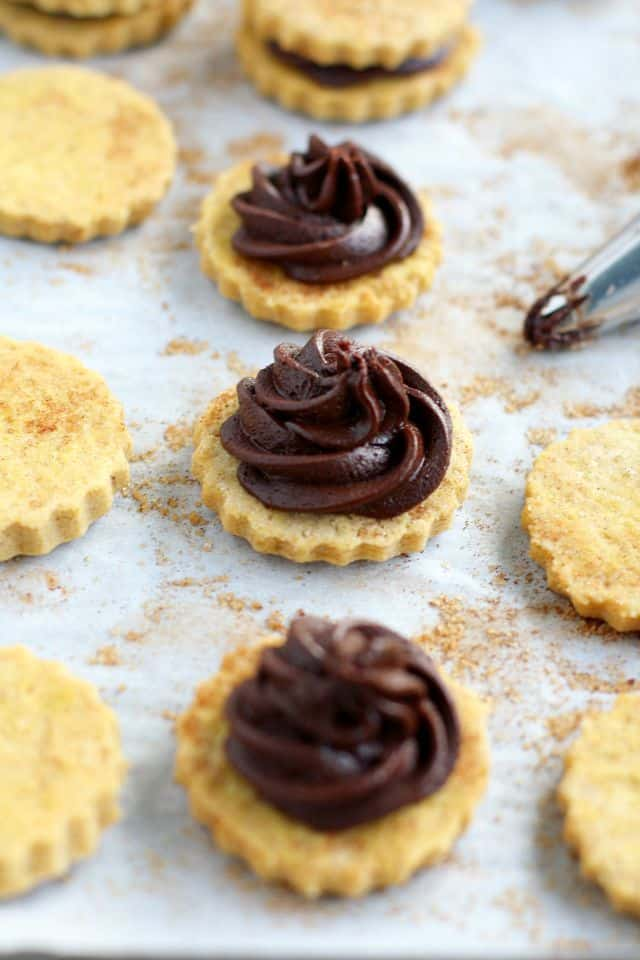 Chocolate filled pumpkin spice sugar cookies - a delicious autumn treat! Bake these this weekend!
