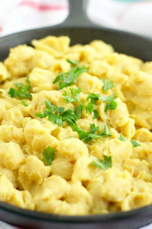 Shells and cheese made with a creamy cauliflower sauce. This is easy to make and full of fiber!