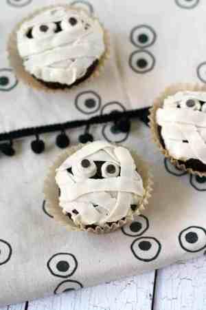 spooky mummy cupcake recipe