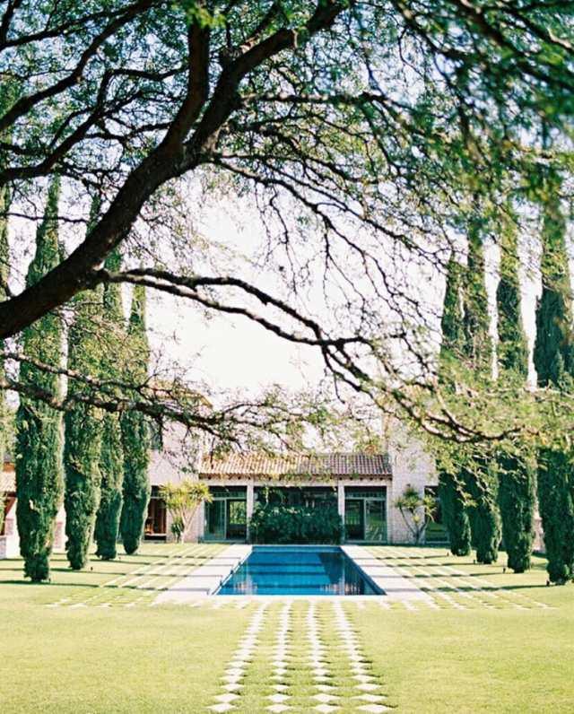 Destination wedding villa with Tuscan feel