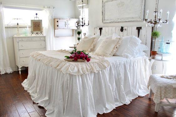 Amazing Farmhouse Bed room Decor Ideas