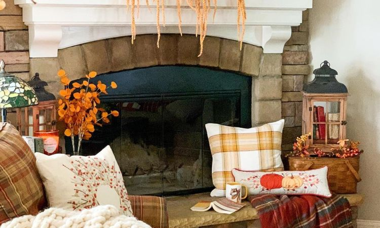 fall decorating ideas in farmhouse style.