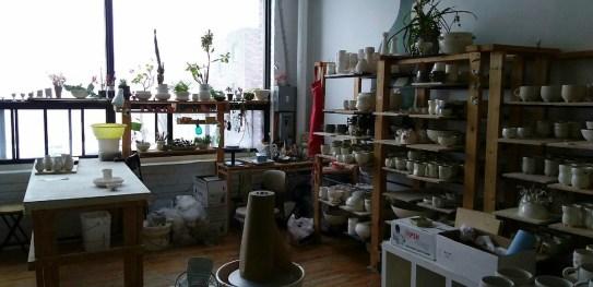 Wai-Yant Li's ceramic area!