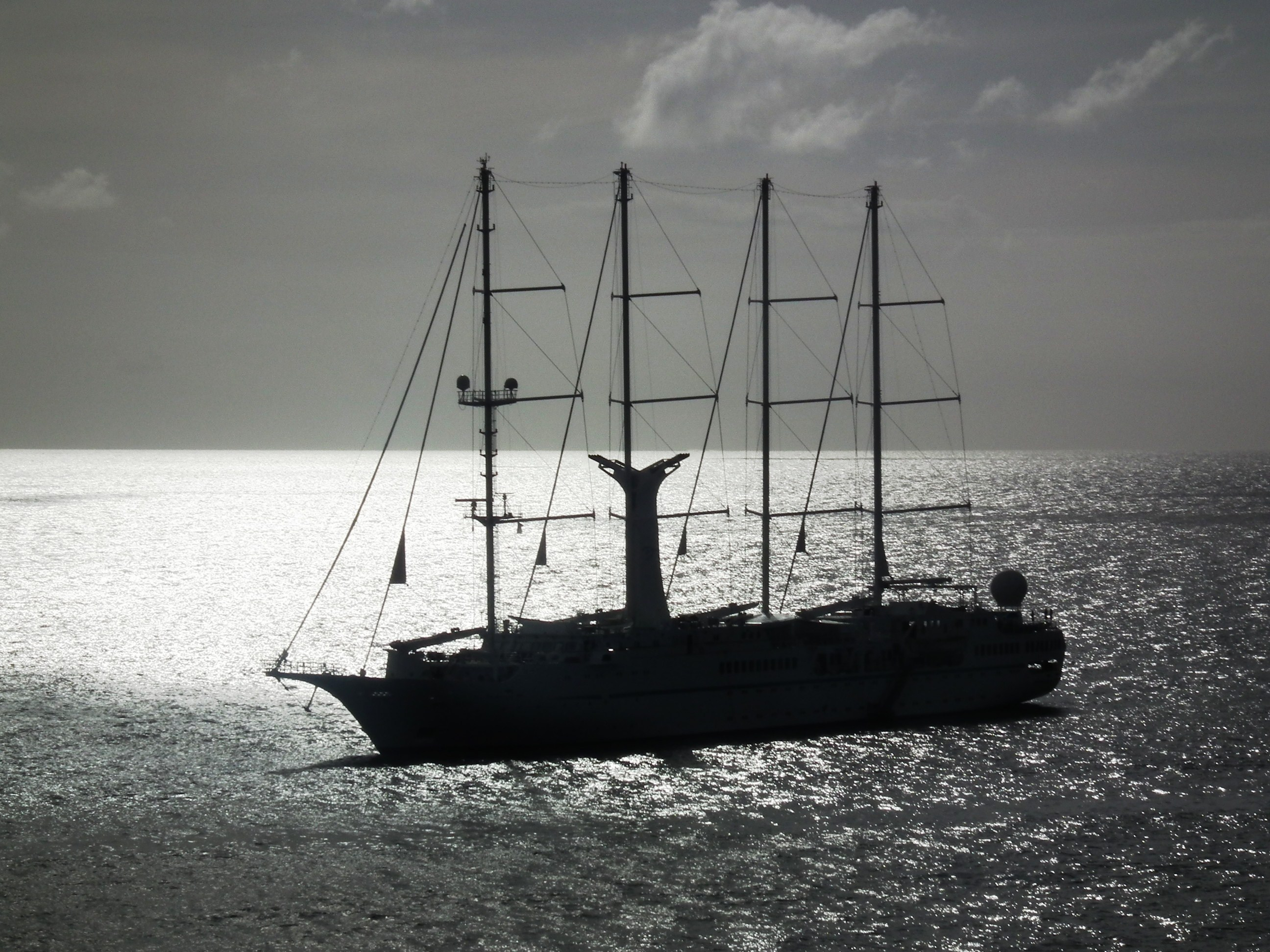 Star Pride ran aground while anchoring; all aboard transferred to another ship for trip home