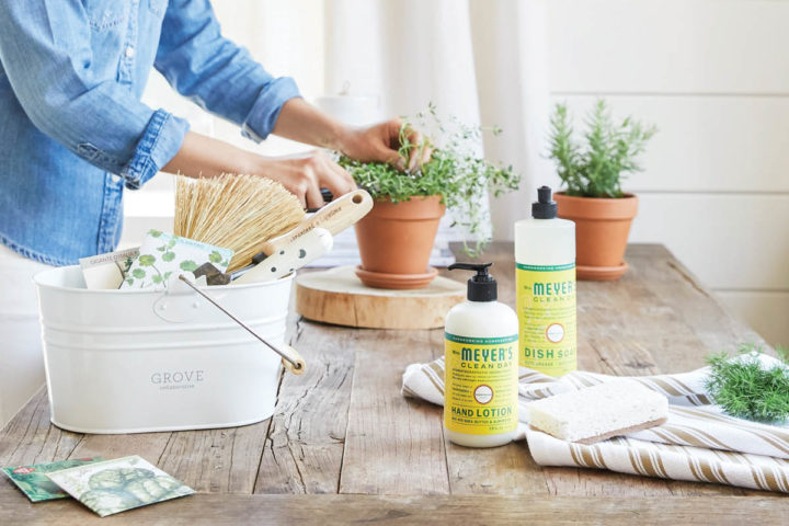 6 creative ways to use a cleaning caddy