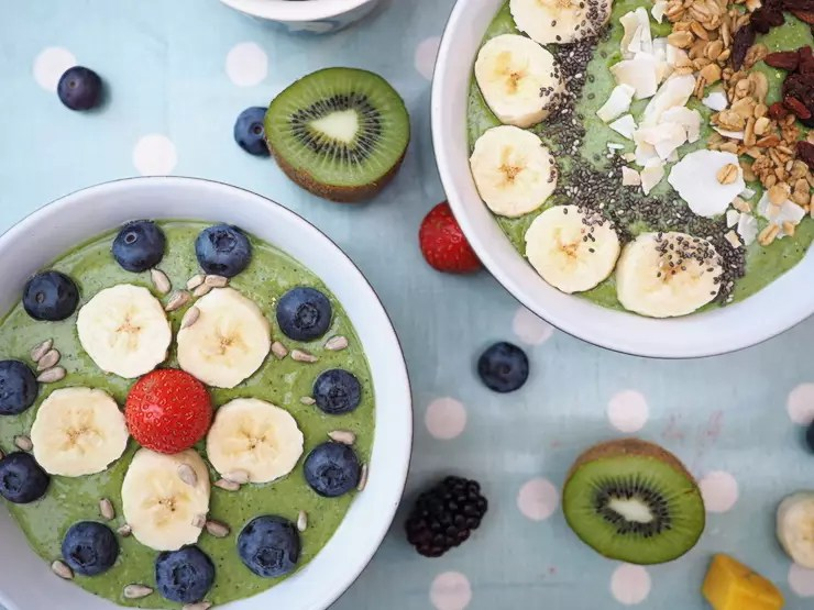 Super Easy Green Smoothie Bowl