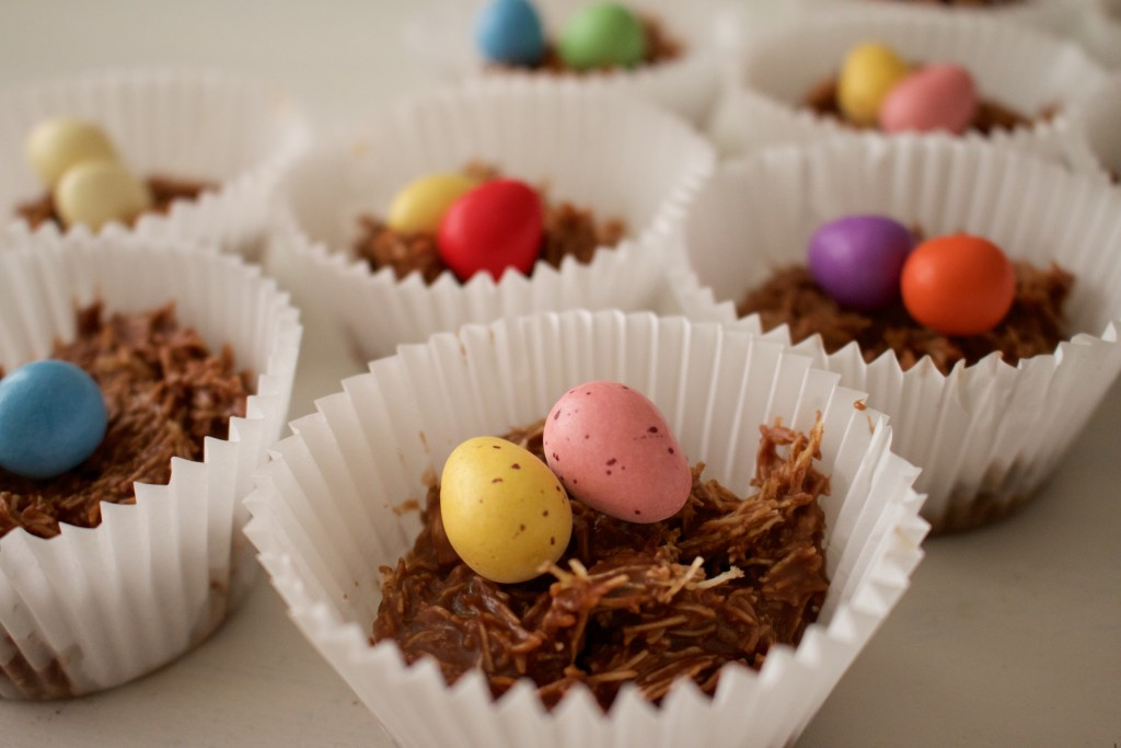 Easter Mars Bar Cakes - The Project Lifestyle