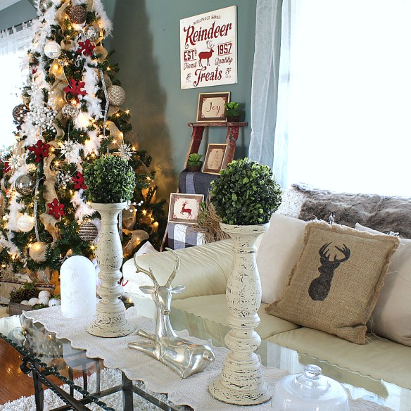Beautiful Snowy Christmas Decor and a 2017 Holiday Blogger Home Tour!