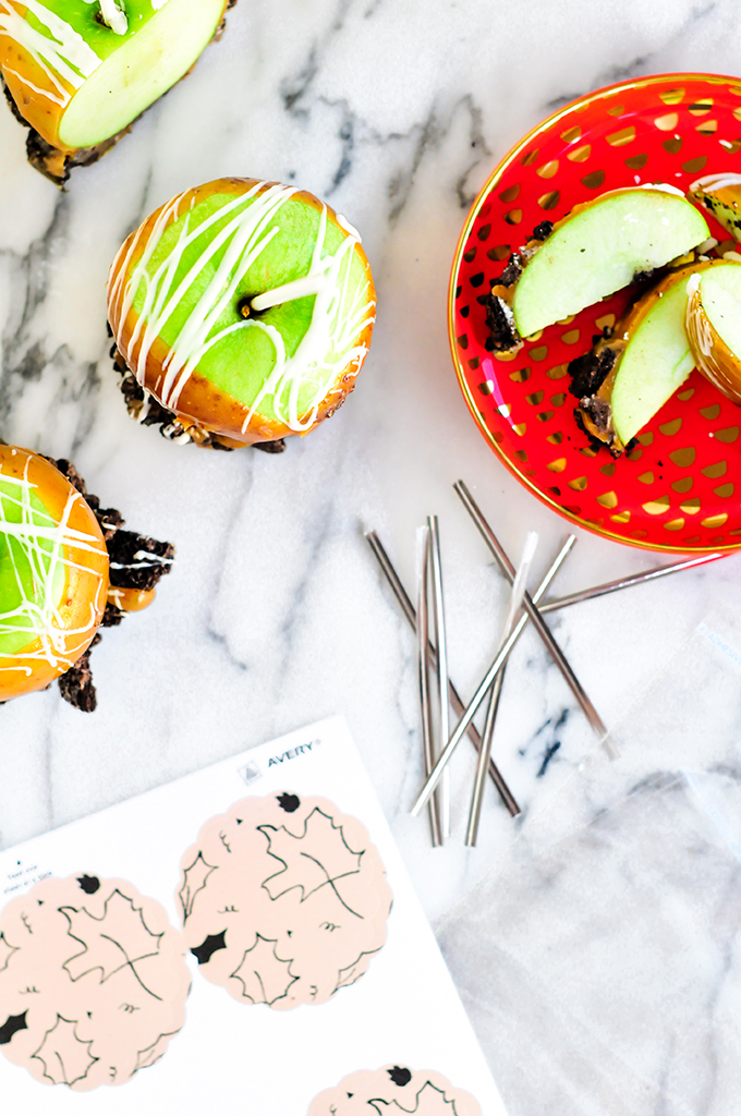 Free Harvest Printable & Caramel Apple Recipe by @theproperblog
