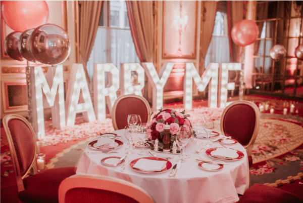 Marry me sign in The Ritz