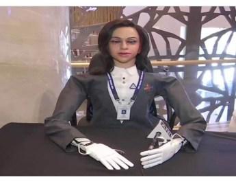 इसरो अंतरिक्ष में आधा मानव रोबोट भेजेगा !