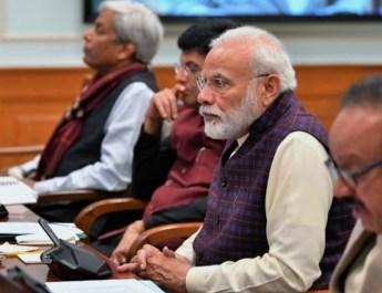 प्रधानमंत्री नरेंद्र मोदी ने वैज्ञानिकों से लंबे समय तक चलने वाली बैटरियों के बारे में रिसर्च करने को कहा